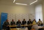 Jakub Unucka. Tisková konference při odstartování kampaně do krajských voleb 2012 s lídrem Davidem Sventkem.