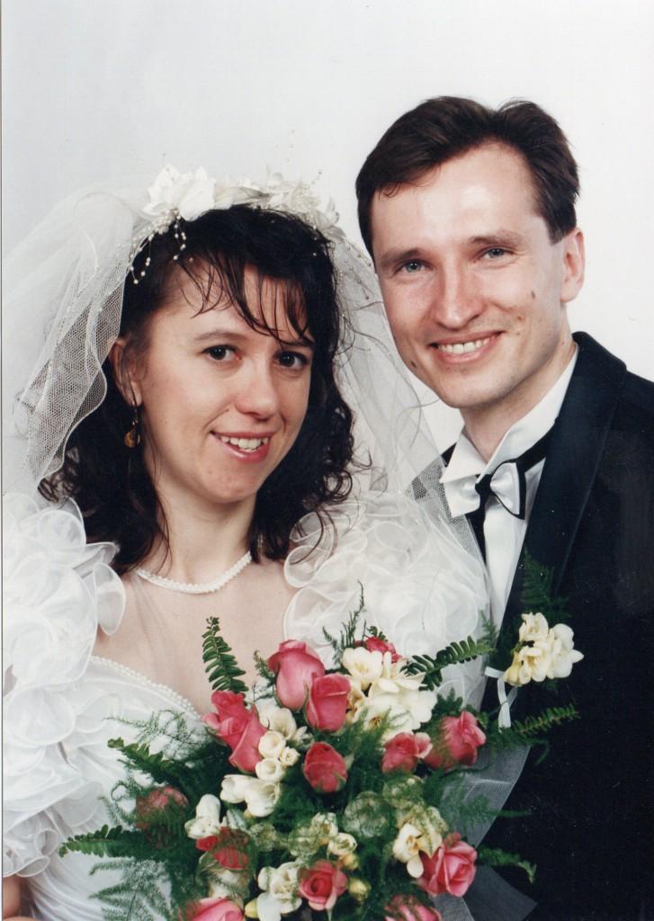 Jakub Unucka. Svatební fotka s Mirkou. 1.4.1995. Další apríl byl až za 6let.